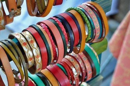Pourquoi craquer pour un bracelet en cuir tressé homme