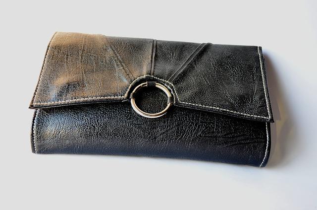Tout savoir sur le portefeuille porte-chéquier en cuir pour femme