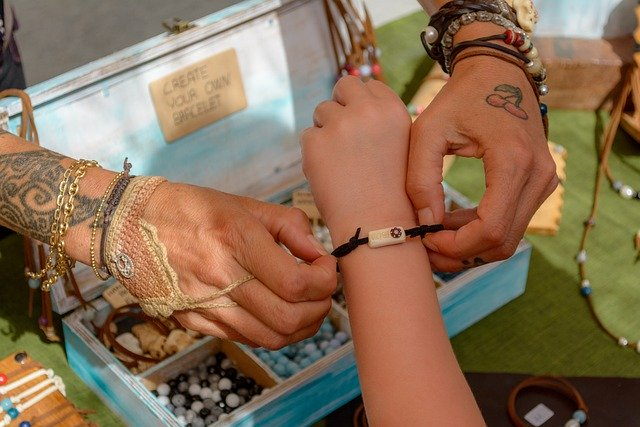 Tout savoir sur le tressage d'un bracelet en cuir
