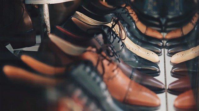 Avec quoi cirer des chaussures en cuir?