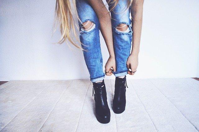 Comment assouplir des bottes en cuir?