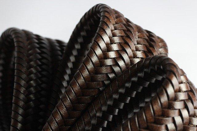 Comment nettoyer et entretenir une ceinture en cuir?
